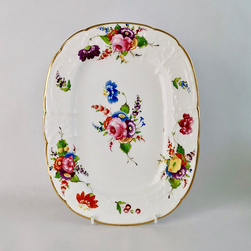 Coalport dessert dish, Swansea style flowers and C-scroll moulding, ca 1820