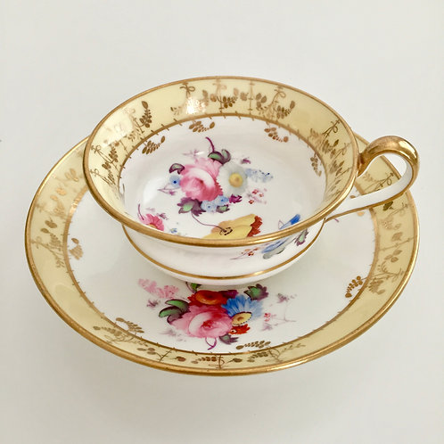 Teacup with superbly hand painted flowers, Minton ca 1825