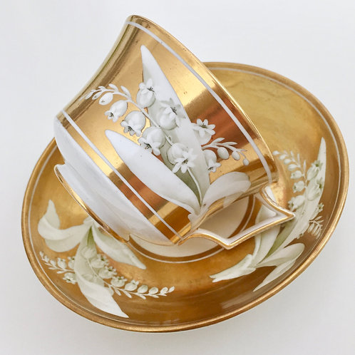 Teacup and saucer, Lily of the Valley in gilt, 1800-1815