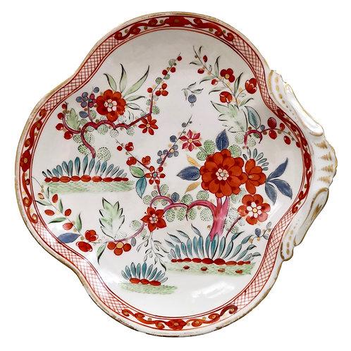 Staffordshire creamware shell dish, Chinoiserie red flowers, ca 1820