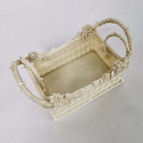 Belleek tiny porcelain basket, 2nd BM 1891-1926