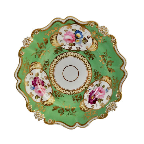 Hilditch plate, green, daisy moulding and flowers, 1830-1835