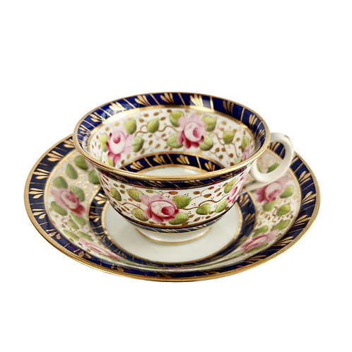 Teacup New Hall, cobalt blue with roses, ca 1815 (2)