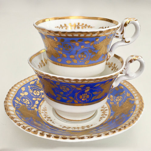 Antique tea/coffee cup trio with raised gilt, Spode 1828