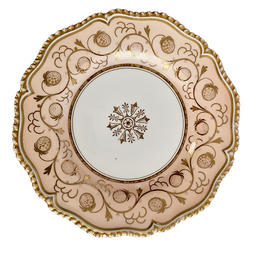 Flight Barr and Barr plate, peach with gilt strawberries, ca 1825