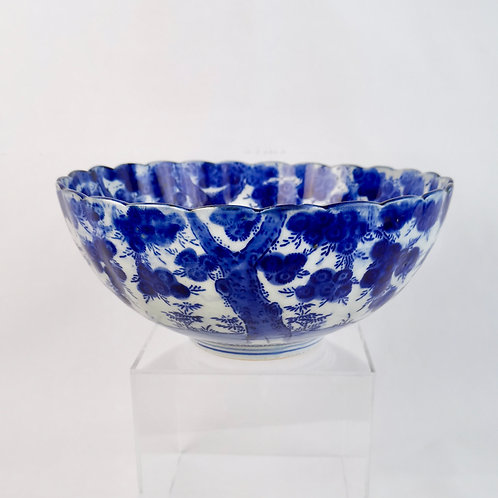 Japanese blue and white bowl with prunus and bamboo, Meiji period 19th C
