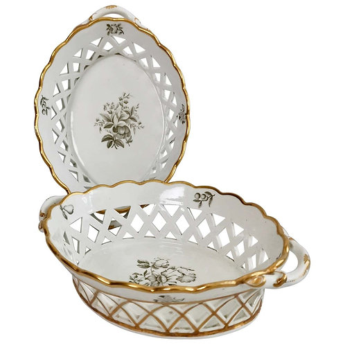 Spode pair of bread baskets, white, bat printed flowers, ca 1810
