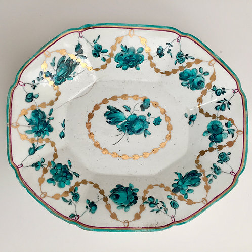 Chelsea octagonal dish, puce anchor, 1753-1758