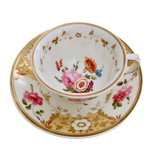 Yates teacup yellow with roses