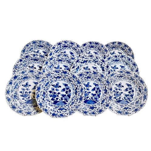 Set of 12 Chinese Export plates, pomegranate and fish, Yongzheng 1722-1735
