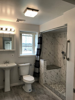 709 Forrest Ave Bathroom 1
