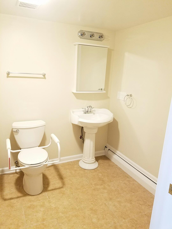 63 Shelter lane - bathroom 4