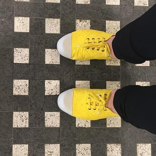 Yellow & black. My favorite combination