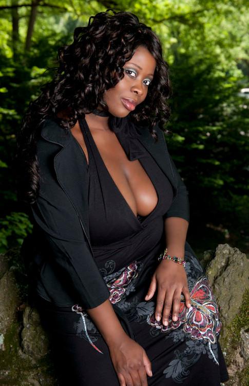 NJ Boudoir Photographer for Plus Size Women