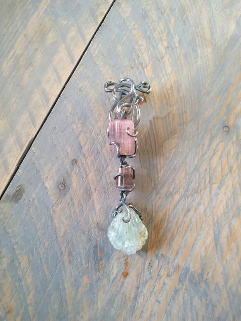 Aquamarijn en toermalijn broche - aquamarine and tourmaline brooch