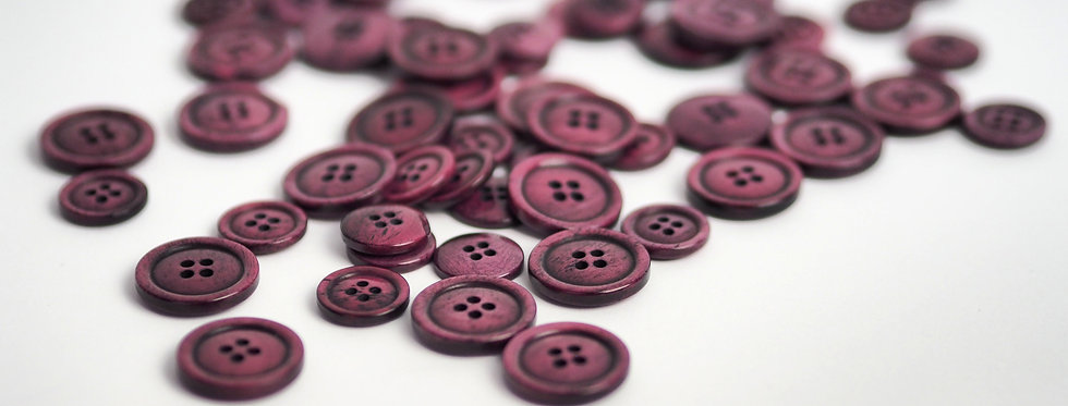 Raspberry Bone Button 15mm