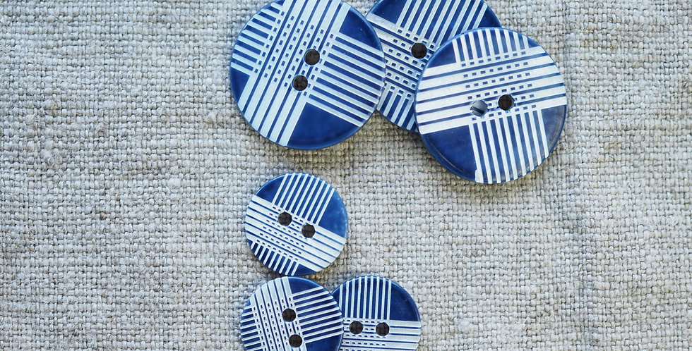 Navy Laser-Etched Shell Buttons 22mm