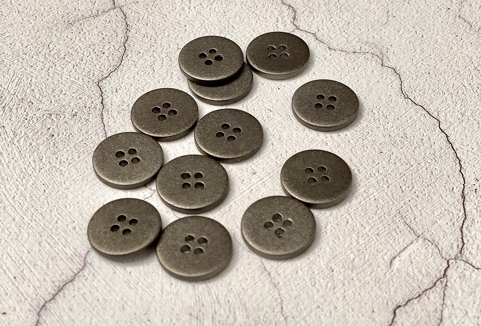 Pewter Shell Buttons 18mm