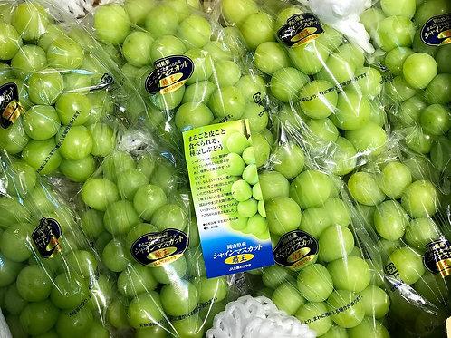 Japanese Okayama Shine muscat grape