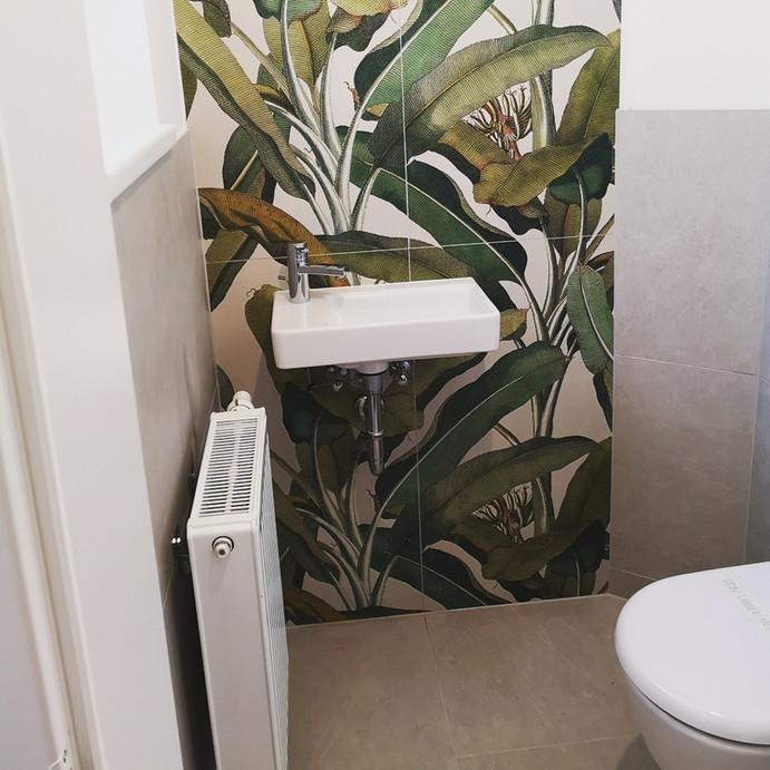 Fliesen-Blumenmotiv-WC