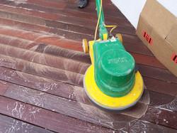 Reinigung von Terrassenböden