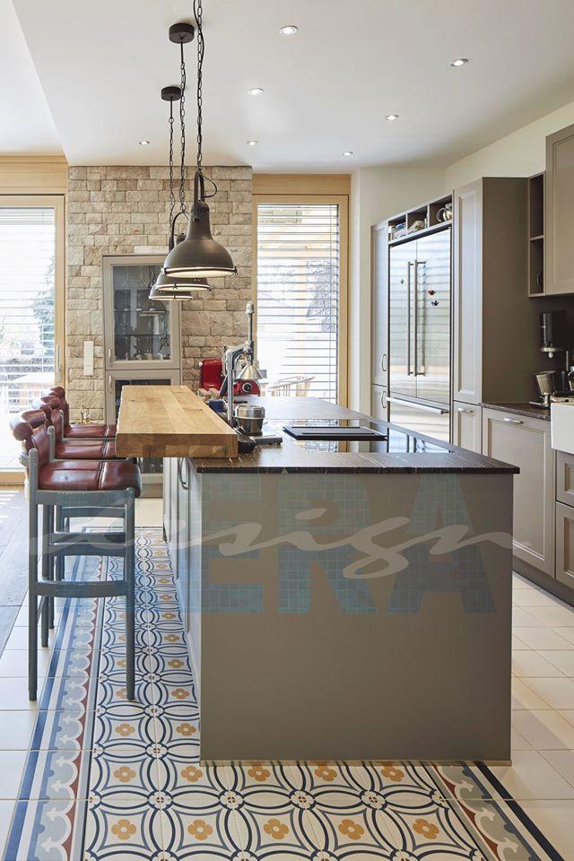 Küche-Zementfliesen-Offen-Stühle-Arbeitsplatte-Holz