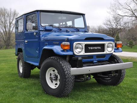 Sold - 1982 Blue FJ40