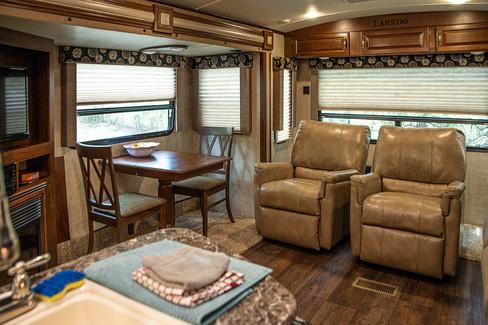 Cabin on the Ridge - Laredo 3