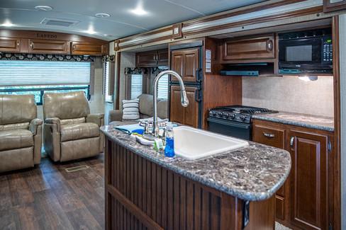 Cabin on the Ridge - Laredo 2