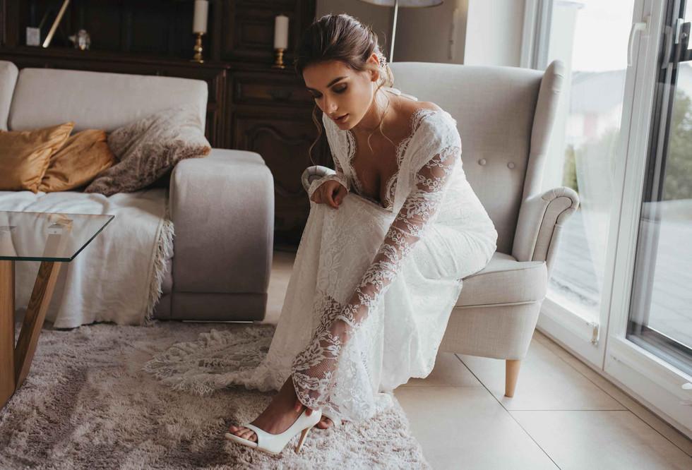 GettingReady.Bride-Shoes.jpg