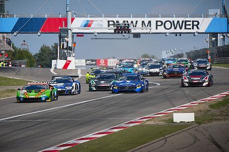 car-racing-4460629_1280.jpg