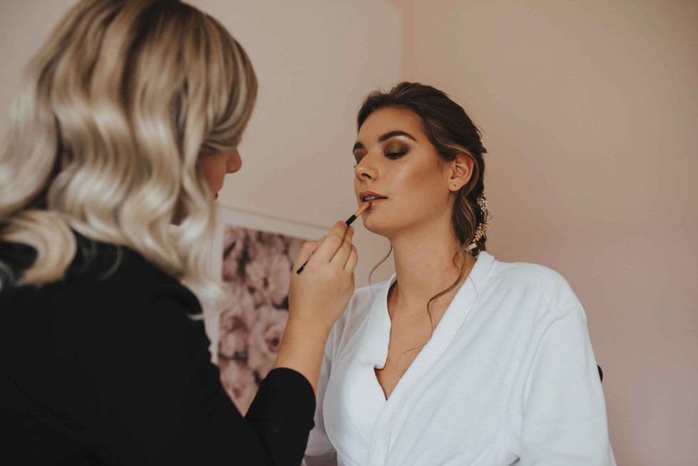 Getting.Ready.Makeup.Lipstick.jpg