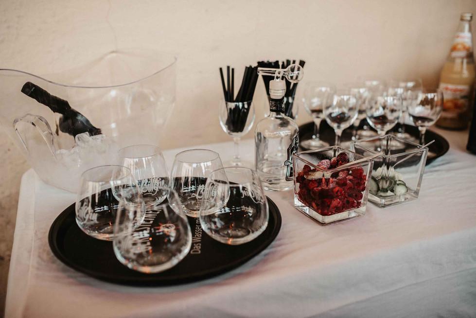 Sektempfang.Hochzeit.Gin.jpg