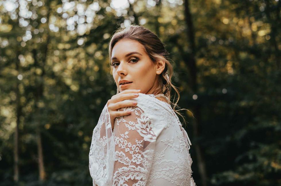 Boho.Wedding.Bride.Spitzenkleid.jpg
