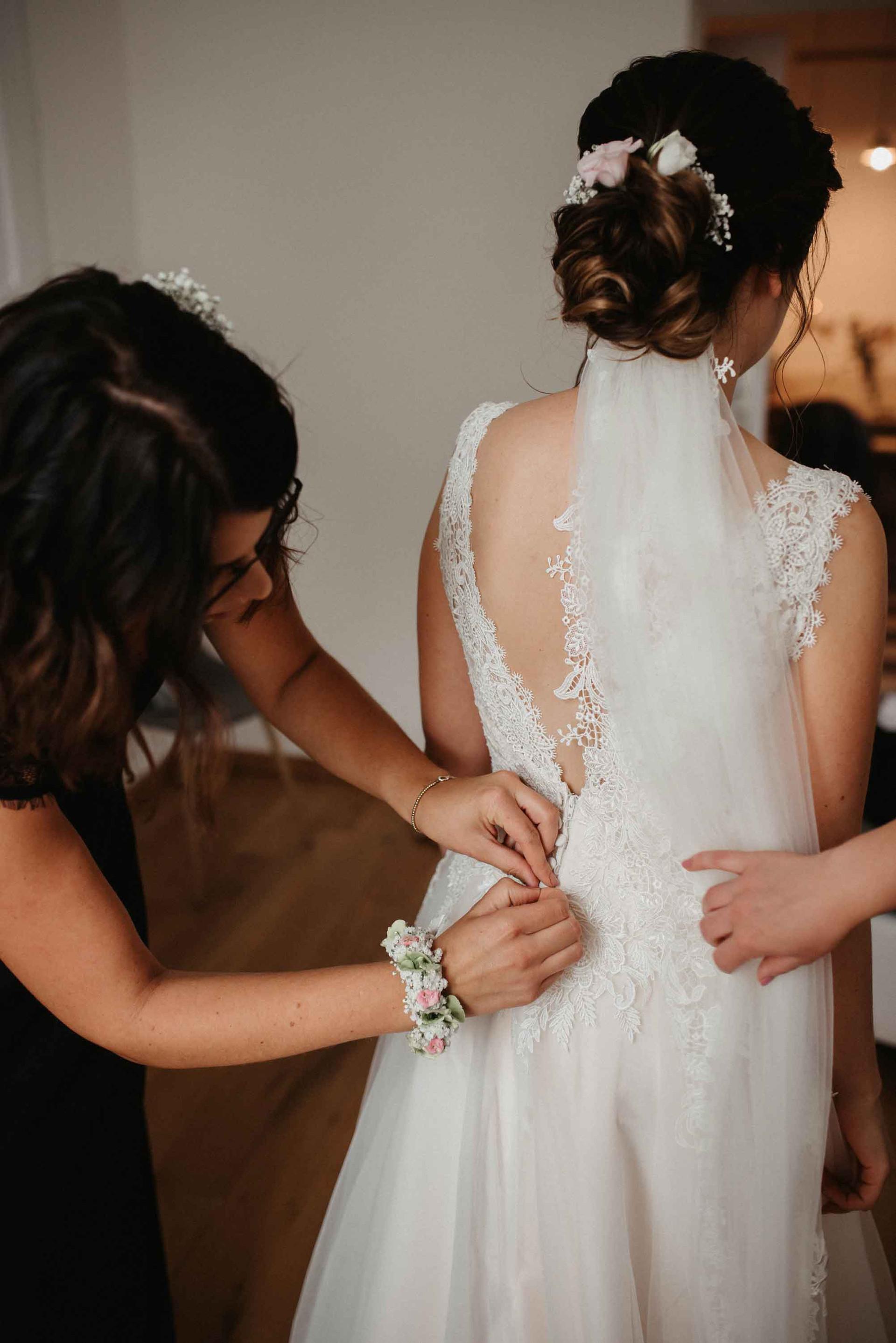 GettingReady.Braut.Trauzeuginnen.jpg