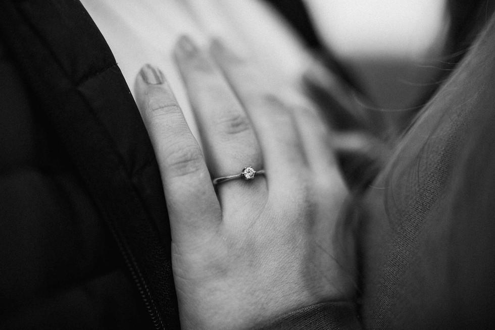 Engagement.Verlobungsshooting.Ring.jpg