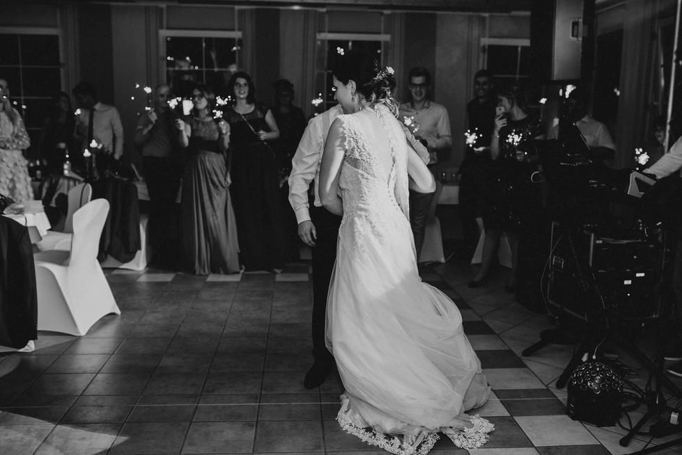 Hochzeitstanz.Schwarz-weiß.jpg