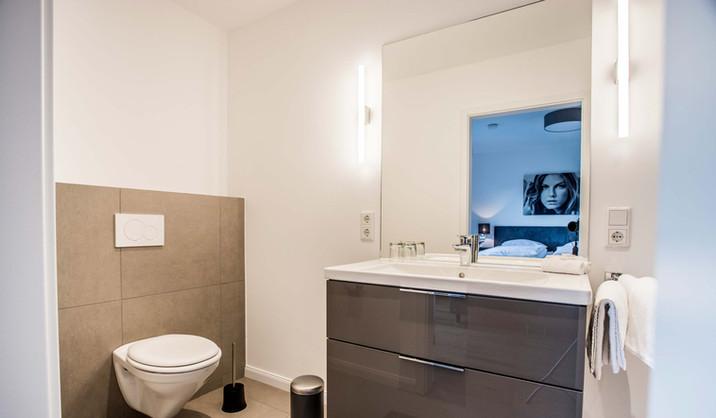 Oliver 92 Ferienwohnung Nürburgring Wohnung 2_Bad
