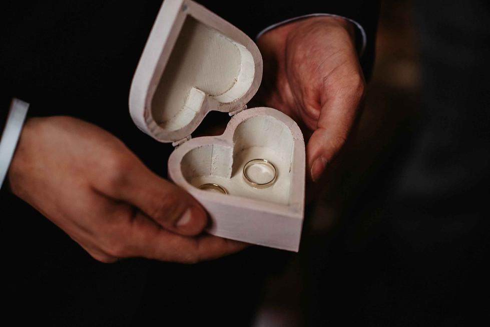 Romantische.Hochzeit.Herz.Ringkiste.jpg