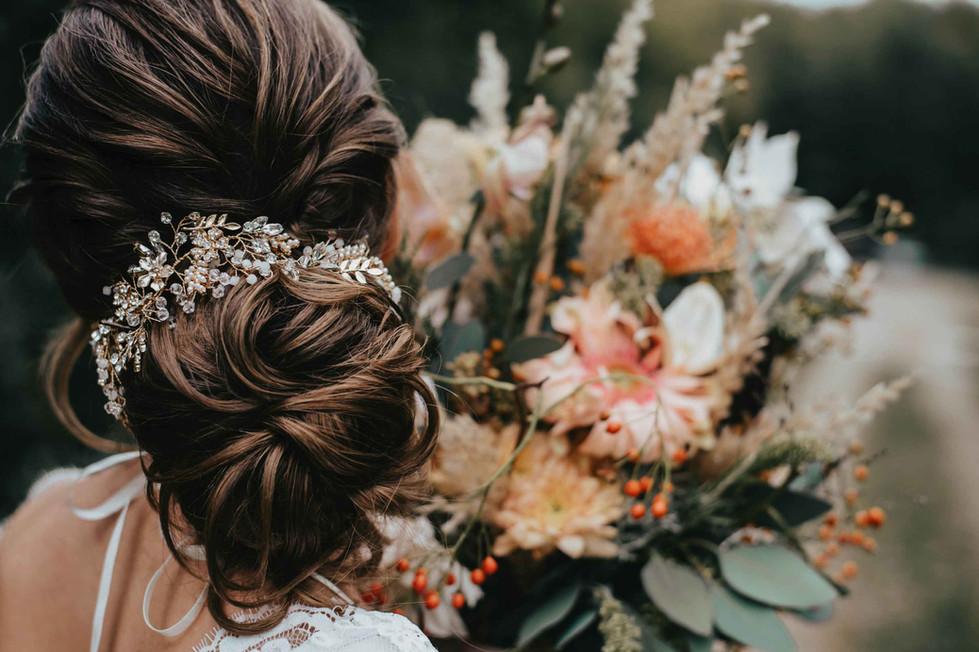 Boho.Wedding.Hair.Flowers.jpg