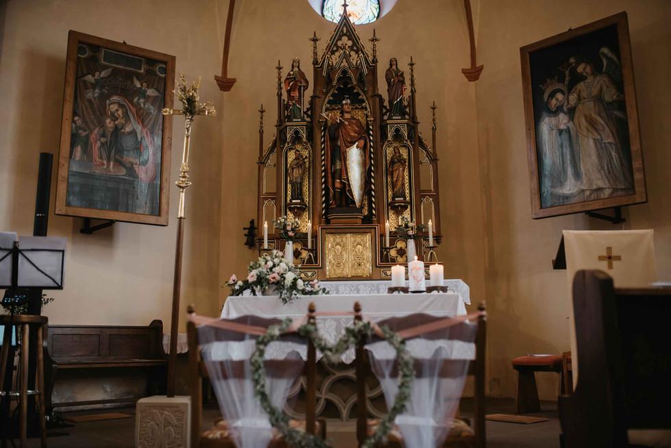 Kiche.Hochzeit.Altar.jpg