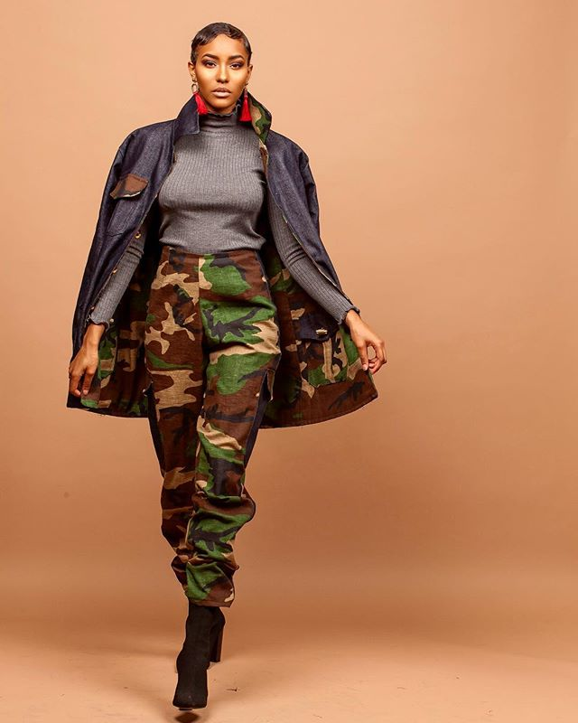 Just because we know are queens are fly we made it reversible ! Same details on the denim side ( thr