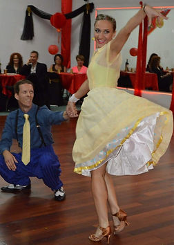 """Dancing the swing """"Blue suit"""", Myballroomlessons.com"""