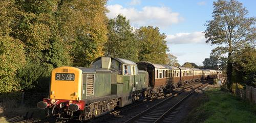 D8568 is seen approaching Bewdley South Box