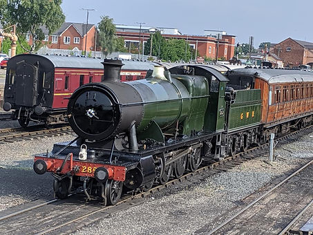 2857 at Kidderminster carrying a wreath