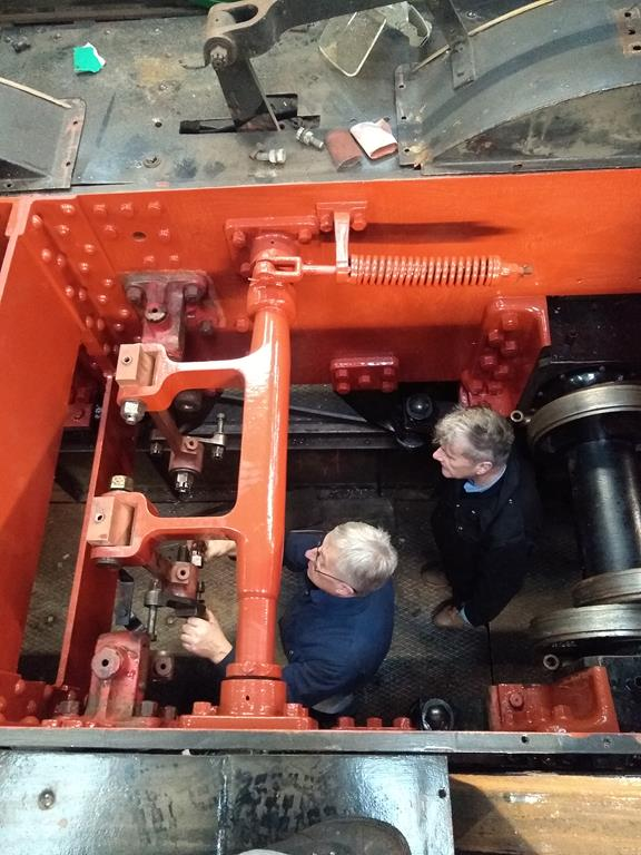 7812's valve gear bring reinstated