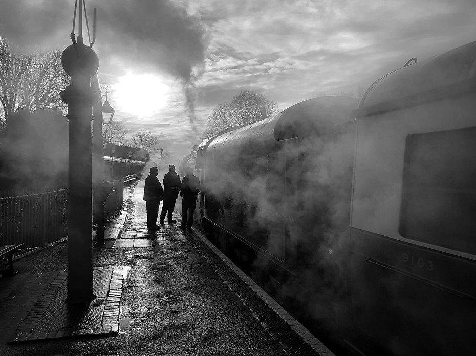 75069 at Bridgnorth on 30th December 202