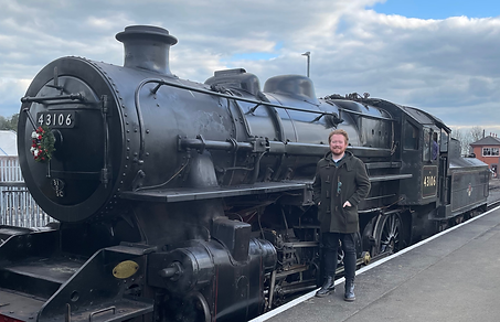 New head of visitor services Michael Dunn meets 43106 at Kidderminster.png