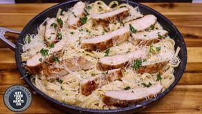 Chicken Alfredo - Fettuccine Alfredo