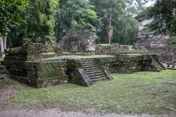 Ruinas_de_Topoxté,_Guatemala_-_panoramio